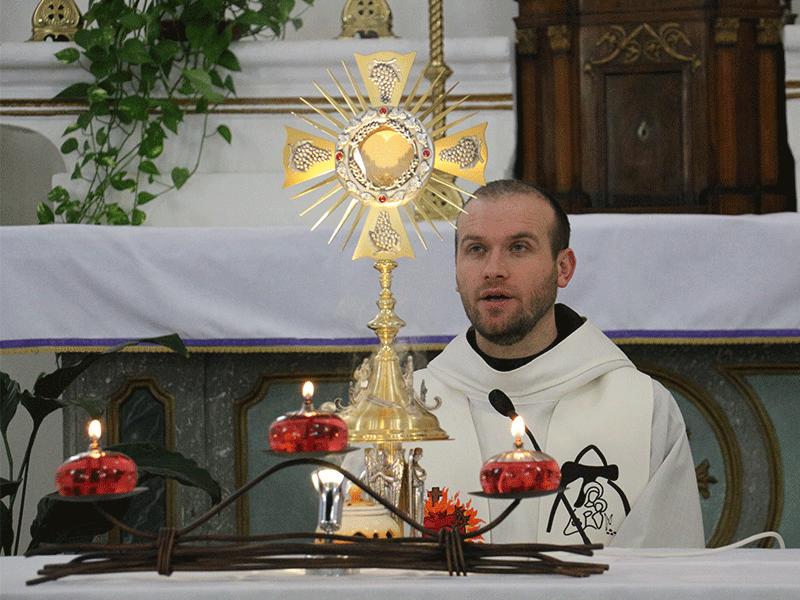 Adorazione Eucaristica (Giornata di spiritualità 15/04/2018)